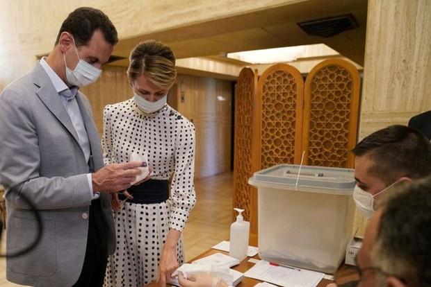 Tổng thống Syria Bashar al-Assad và phu nhân mắc COVID-19 - Ảnh 1.
