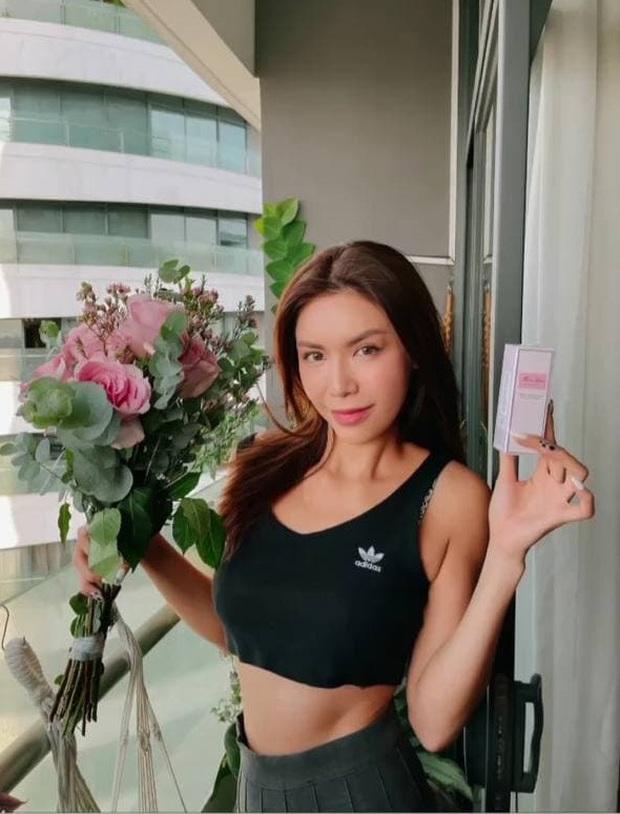 Sao Việt mặc gì ngày 8/3: Lệ Quyên sexy như gái 20, Amee diện crop-top khoe vòng eo không chút mỡ thừa - Ảnh 10.