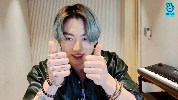 Jungkook (BTS) than trời vì mới khoe đồ uống yêu thích đã bị fan mua sạch, đành ngậm ngùi chịu cảnh trắng tay - Ảnh 4.