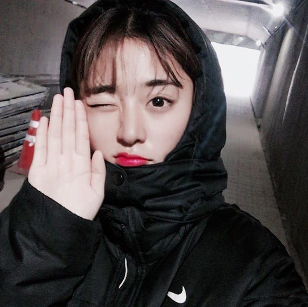 Hi hữu: Quá xinh đẹp, mỹ nhân bóng đá Hàn Quốc phải giải nghệ vì… không chịu nổi áp lực - Ảnh 2.