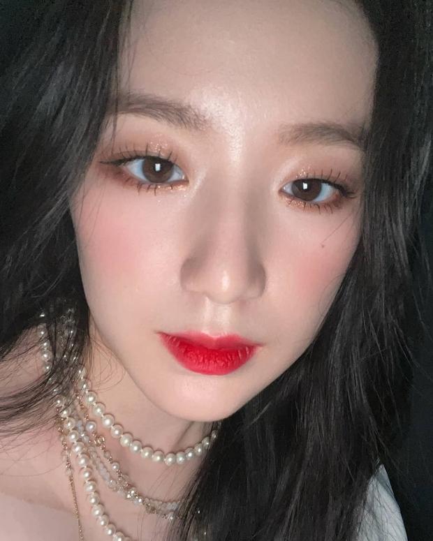 """Loạt makeup look """"đỉnh của chóp"""" từ idol Kpop, nhìn xịn xò là vậy nhưng toàn style đơn giản dễ học theo - Ảnh 9."""