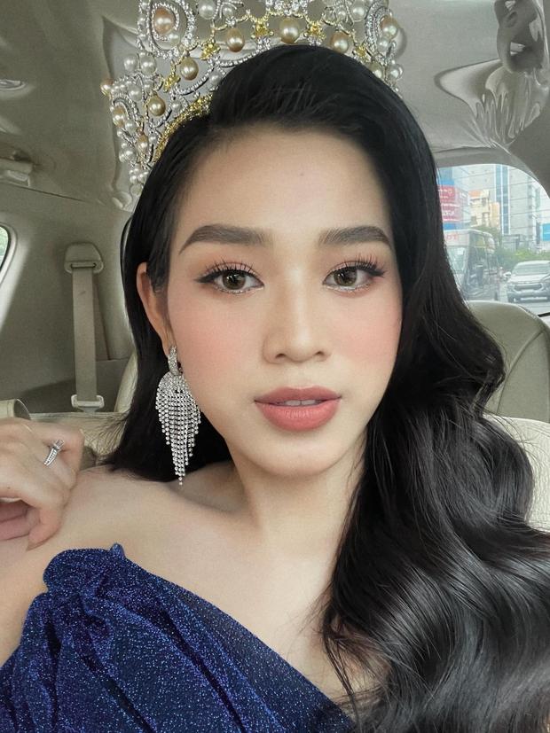 Sau hơn 3 tháng đăng quang, Hoa hậu Đỗ Thị Hà vung tay sắm nhẫn kim cương to vật vã? - Ảnh 3.