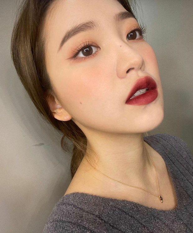 """Loạt makeup look """"đỉnh của chóp"""" từ idol Kpop, nhìn xịn xò là vậy nhưng toàn style đơn giản dễ học theo - Ảnh 6."""