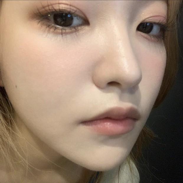 """Loạt makeup look """"đỉnh của chóp"""" từ idol Kpop, nhìn xịn xò là vậy nhưng toàn style đơn giản dễ học theo - Ảnh 4."""