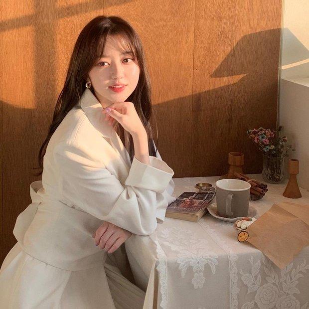 Sao nhí hot nhất Penthouse Kim Hyun Soo: Tiểu Son Ye Jin gây chấn động Hàn vì phim ấu dâm, khiến cả Kim Soo Hyun phải ngại ngùng - Ảnh 13.