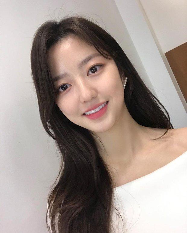 Sao nhí hot nhất Penthouse Kim Hyun Soo: Tiểu Son Ye Jin gây chấn động Hàn vì phim ấu dâm, khiến cả Kim Soo Hyun phải ngại ngùng - Ảnh 12.