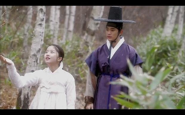 Sao nhí hot nhất Penthouse Kim Hyun Soo: Tiểu Son Ye Jin gây chấn động Hàn vì phim ấu dâm, khiến cả Kim Soo Hyun phải ngại ngùng - Ảnh 6.