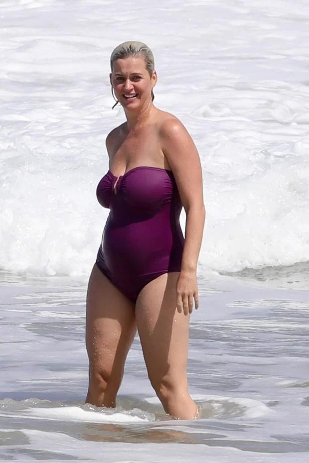 Không nhận ra Katy Perry bốc lửa ngày nào: Body nặng nề, chân nhăn nheo và rạn da nghiêm trọng đến xót xa - Ảnh 7.