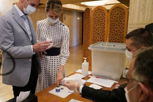 Thế giới có hơn 117,5 triệu ca mắc COVID-19, Mỹ đối mặt với nguy cơ làn sóng lây nhiễm thứ 4 - Ảnh 2.