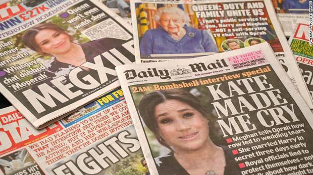 Khủng hoảng Hoàng gia Anh: Cả gia tộc hỗn loạn sau buổi phỏng vấn kể hết của Meghan và Harry với cáo buộc phân biệt chủng tộc nghiêm trọng - Ảnh 4.