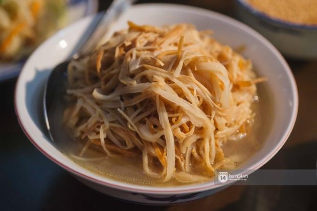 Ngoài gốm sứ, Bát Tràng còn có mâm cỗ với món ăn tiến vua đặc biệt, đại diện cho cái tầm rất khác của ẩm thực Việt Nam - Ảnh 4.