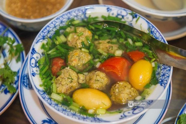 Ngoài gốm sứ, Bát Tràng còn có mâm cỗ với món ăn tiến vua đặc biệt, đại diện cho cái tầm rất khác của ẩm thực Việt Nam - Ảnh 9.
