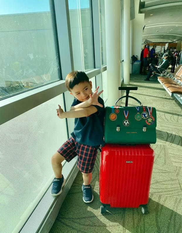 Sinh ra đã chạm vạch đích, chủ tịch nhí nhà Đan Trường mang cả cây đồ hiệu đắt đỏ đi du lịch Hawaii chào hè - Ảnh 3.