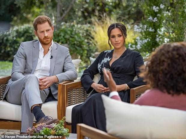 Chuyên gia bất ngờ tiết lộ danh tính thành viên Hoàng gia bị Meghan tố phân biệt chủng tộc, kỳ thị màu da con trai cô trong phỏng vấn bom tấn - Ảnh 1.