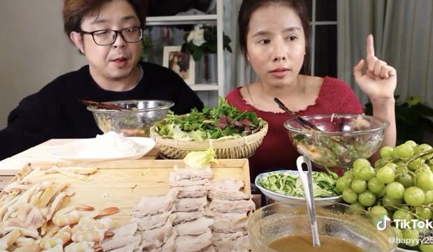 Sau Quỳnh Trần JP, một YouTuber người Việt chuyên làm clip mukbang hé lộ góc khuất vấn nạn bắt nạt ở Nhật Bản - Ảnh 3.