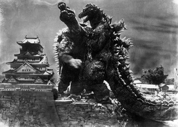 65 năm của quái vật Godzilla: Từng giả trân ngốc nghếch trước khi trở thành vua quái vật! - Ảnh 4.