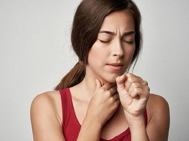 Ngoài ung thư tuyến giáp, nếu có 3 dấu hiệu trên cổ họng thì bạn cũng nên đề phòng với nguy cơ mắc loại ung thư khác - Ảnh 3.