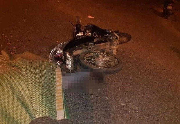 Va chạm với xe đầu kéo, nam công nhân chết thảm trên đường đi làm về - Ảnh 2.