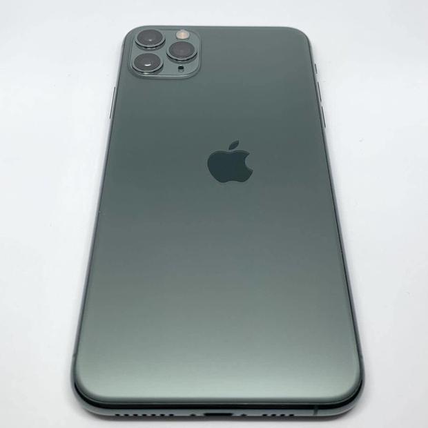 Một chiếc iPhone gặp lỗi nặng được bán với giá hơn 60 triệu đồng, cộng đồng mạng tranh cãi gay gắt! - Ảnh 1.