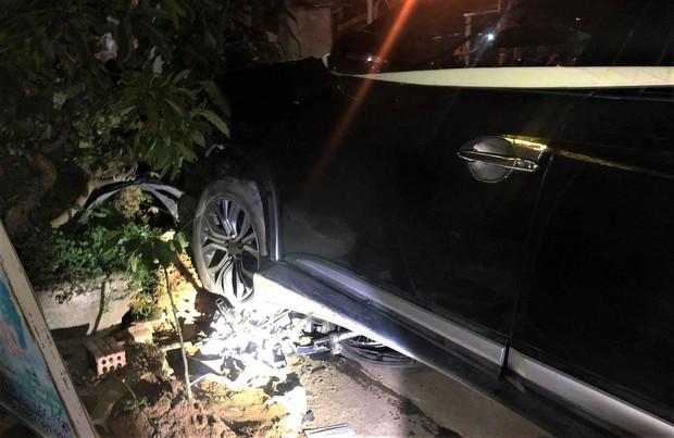 Nhân chứng vụ xe điên tông hàng loạt xe máy, 7 người thương vong: Ô tô lạng lách và chạy tốc độ cao, cảnh tượng rất thảm khốc - Ảnh 2.