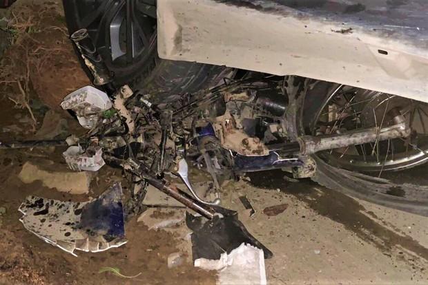 Nhân chứng vụ xe điên tông hàng loạt xe máy, 7 người thương vong: Ô tô lạng lách và chạy tốc độ cao, cảnh tượng rất thảm khốc - Ảnh 4.