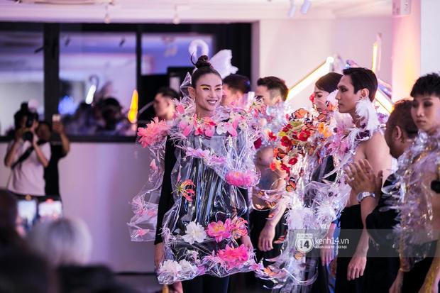 Võ Hoàng Yến gây choáng bởi đôi chân dài như... kiếm Nhật tại show thời trang triển lãm Plus by Bảo Nam - Ảnh 4.