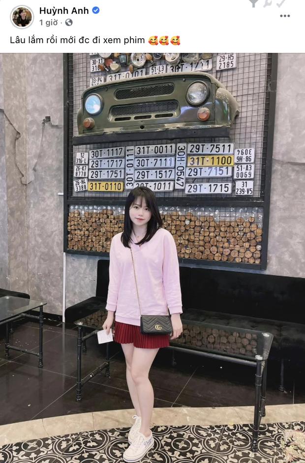 Bồ cũ Quang Hải khoe ảnh chụp ở nơi từng hẹn hò, tình cũ không rủ nên mình tự đi? - Ảnh 1.
