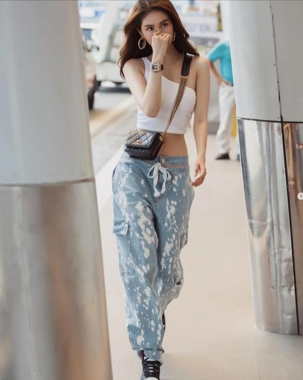 Nhìn Ngọc Trinh mặc streetwear kiểu này, dân mạng chắc phải rút ra vô số kinh nghiệm xương máu đây... - Ảnh 1.