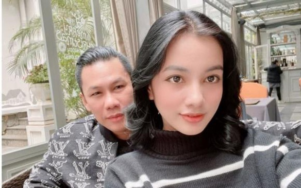 Clip chồng cũ Lệ Quyên và tình trẻ kém 27 tuổi Cẩm Đan sánh đôi ở concert Rap Việt, còn tương tác với nhau thế này đây - Ảnh 8.