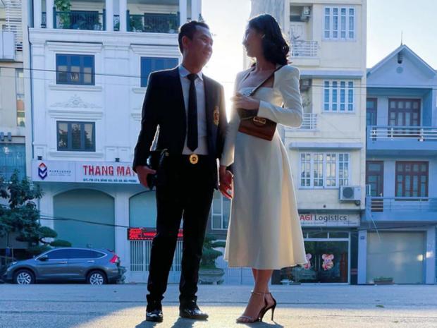 Clip chồng cũ Lệ Quyên và tình trẻ kém 27 tuổi Cẩm Đan sánh đôi ở concert Rap Việt, còn tương tác với nhau thế này đây - Ảnh 7.