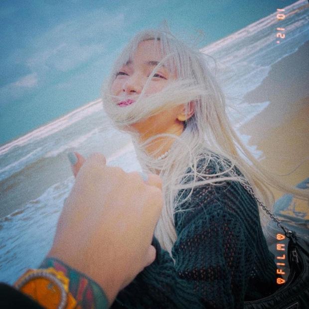 Cuối cùng Binz - Châu Bùi đã bị tóm sống ảnh hẹn hò bên nhau và đây là biểu cảm của chàng rapper bên người yêu - Ảnh 9.