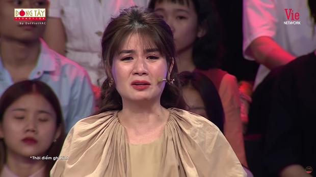 Kha Ly bật khóc trên sóng truyền hình: Mai Phương không có một đám tang trọn vẹn, xót xa lắm - Ảnh 2.