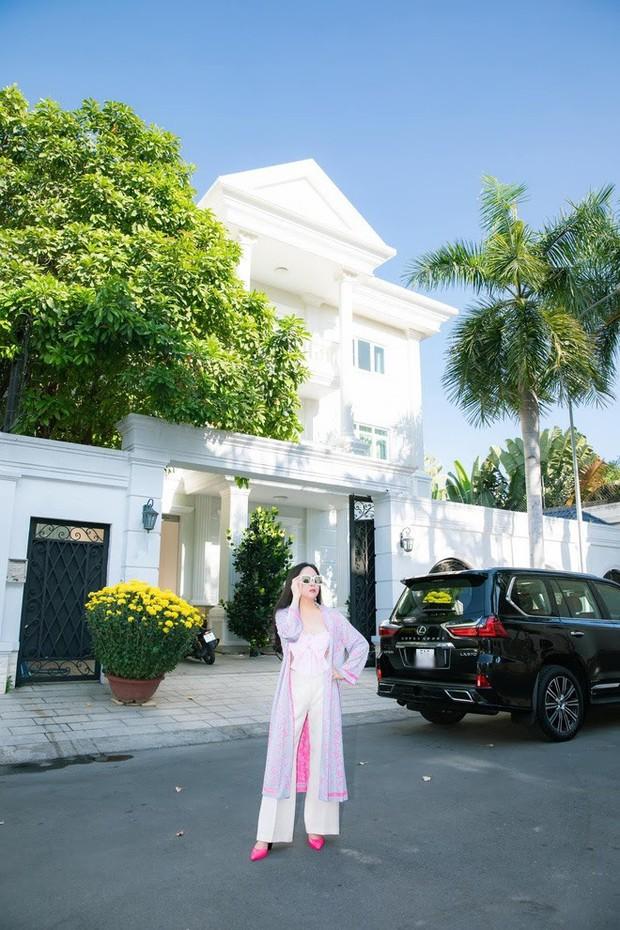 Khối tài sản của Phượng Chanel - Quách Ngọc Ngoan: Nàng có biệt thự tiền tỷ, chàng có trang trại 10.000m2 - Ảnh 4.