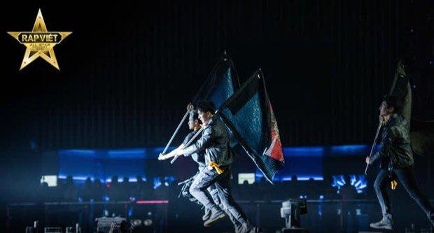4 tiếng Rap Việt Concert: Sân khấu hoành tráng với 1001 chiêu trò, những sự vắng mặt đáng tiếc, GDucky có lấn lướt Dế Choắt? - Ảnh 6.