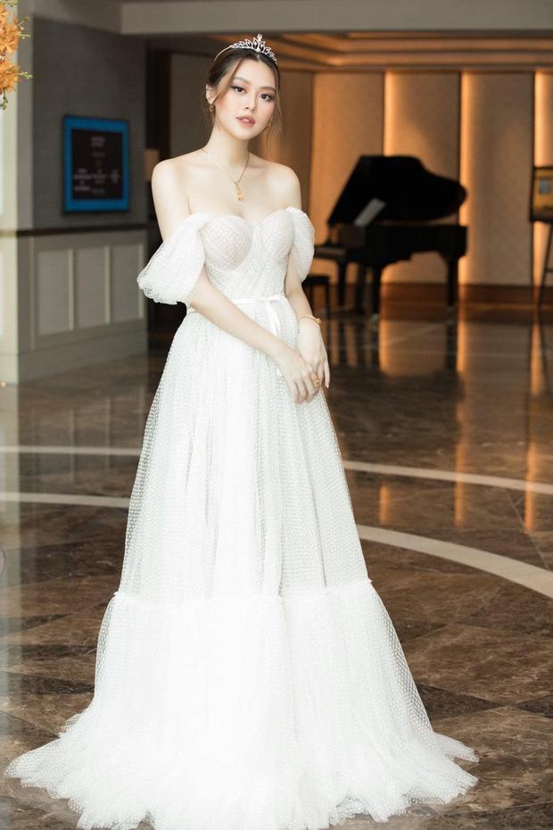 Khoe ảnh nghỉ mát chuẩn nàng dâu hào môn, Á hậu Tường San để lộ bụng bầu đã lớn rõ - Ảnh 6.