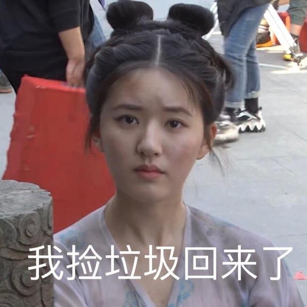 Triệu Lộ Tư tiết lộ kết cục Trường Ca Hành trên sóng live stream, bị staff nhắc khéo nhưng vẫn tự tin bật mí - Ảnh 5.