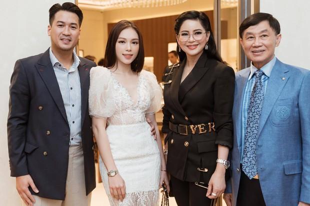 Linh Rin dự tiệc cuối tuần ở biệt thự gia đình Hà Tăng, suất con dâu tỷ phú chắc tay quá luôn - Ảnh 8.
