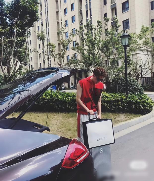 Trào lưu tiêu tiền không nhìn ví của Gen Z xứ Trung: Sự thật phía sau những màn chốt đơn chẳng phải nghĩ, lương tháng 14 triệu vẫn mạnh dạn mua hẳn siêu xe - Ảnh 3.