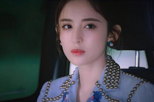 Đều sinh năm 1992, nhan sắc dàn nữ thần Cbiz lại quá khác biệt: Nhiệt Ba già chát, Trịnh Sảng - Dương Tử nhiều lần gây sốc - Ảnh 19.
