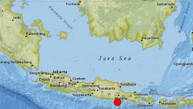 Động đất mạnh ngoài khơi Indonesia, 6 người thiệt mạng - Ảnh 1.