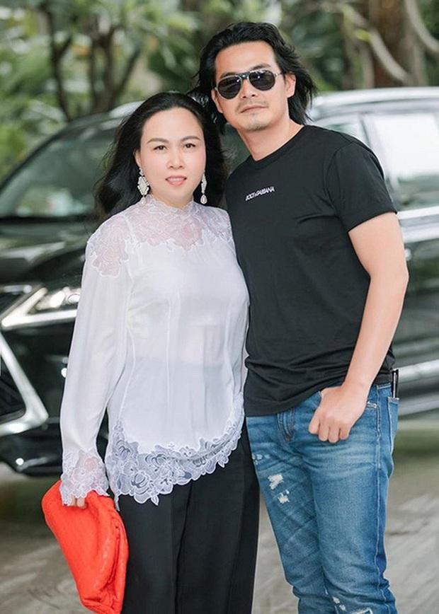 """Quách Ngọc Ngoan và Phượng Chanel """"đường ai nấy đi"""", netizen lo hình xăm mặt người tình trên ngực giờ anh xử lý sao ta? - Ảnh 2."""