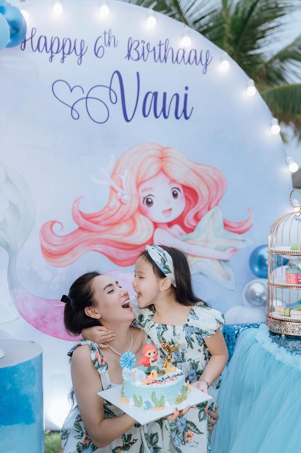 Hết 2 cháu gái thi Hoa hậu, đến con gái Trang Nhung mới 6 tuổi đã được chú ý nhờ nhan sắc gen trội trong tiệc sinh nhật - Ảnh 4.