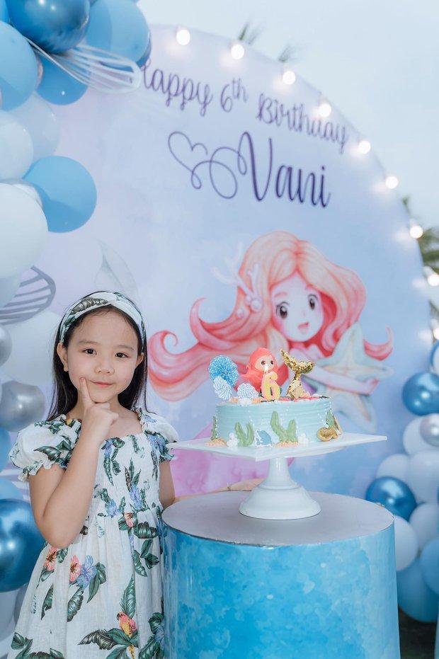 Hết 2 cháu gái thi Hoa hậu, đến con gái Trang Nhung mới 6 tuổi đã được chú ý nhờ nhan sắc gen trội trong tiệc sinh nhật - Ảnh 5.