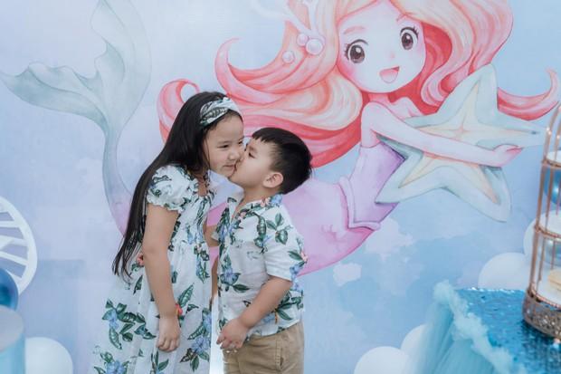 Hết 2 cháu gái thi Hoa hậu, đến con gái Trang Nhung mới 6 tuổi đã được chú ý nhờ nhan sắc gen trội trong tiệc sinh nhật - Ảnh 7.