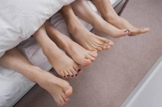 4 hành vi tai hại mà con gái nên sửa ngay nếu không muốn bệnh ung thư cổ tử cung ghé thăm - Ảnh 3.