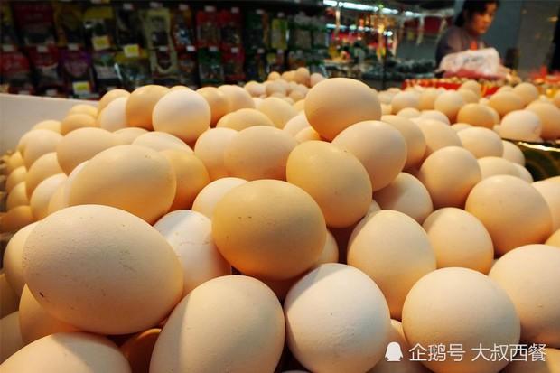 3 loại trứng tuyệt đối đừng nên mua, vừa không tốt cho sức khỏe vừa có thể gây bệnh, đặc biệt là loại thứ 3 được nhiều người yêu thích - Ảnh 1.