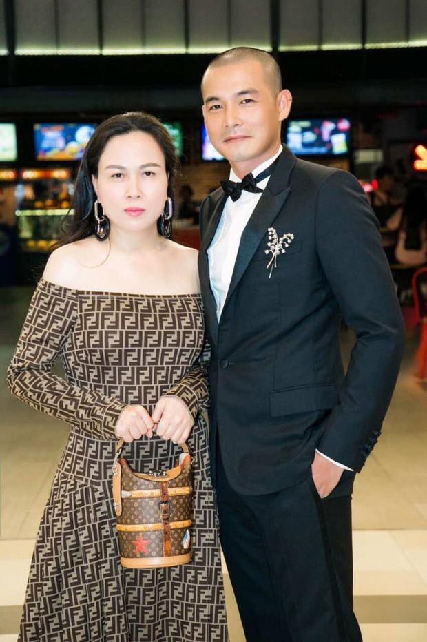 Chia tay Quách Ngọc Ngoan, Phượng Chanel hết khoe body bên xe tiền tỷ đến cô con gái nóng bỏng và netizen phản ứng khá bất ngờ - Ảnh 6.