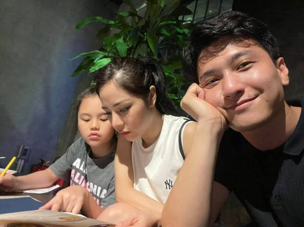 Chỉ với vài khoảnh khắc cuối tuần, Huỳnh Anh đã chứng minh tình cảm với con riêng của hôn thê hơn 6 tuổi - Ảnh 2.