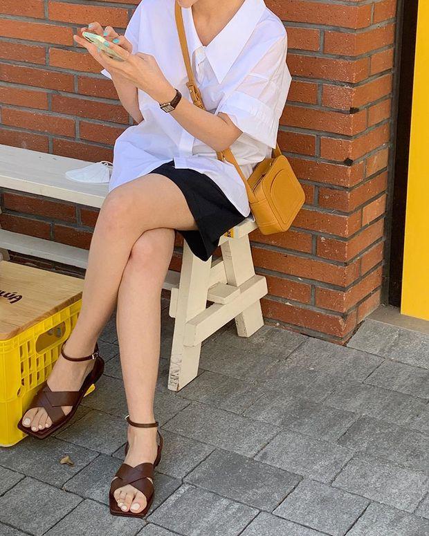 Mùa hè nóng nực, chị em nào muốn mặc quần short mà xinh như gái Hàn thì bơi vào đây! - Ảnh 2.