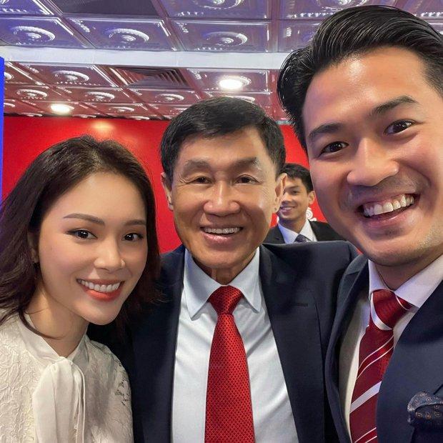 Linh Rin khoe ảnh với bố chồng tỷ phú tương lai: Quá nhiều nhan sắc và tiền bạc trong 1 bức ảnh! - Ảnh 1.
